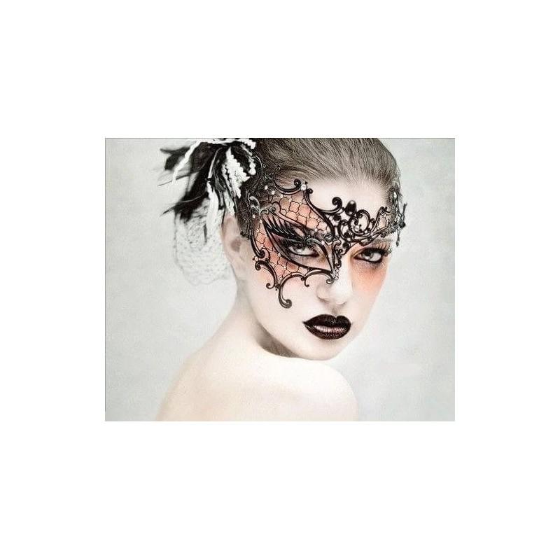 Moteriška Venecijos pusės veido kaukė